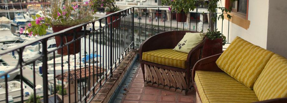 condo.lani_.balcony.slider