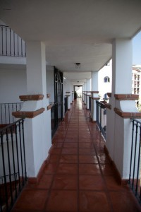 Condo Lani Entry Passage